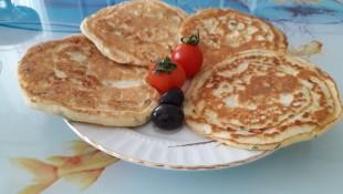 Kahvaltıya Peynirli Pankek