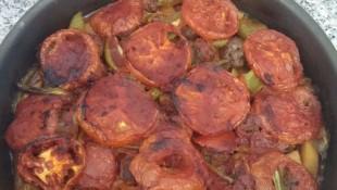 Köfteli Patatesli Tepsi Kebabı