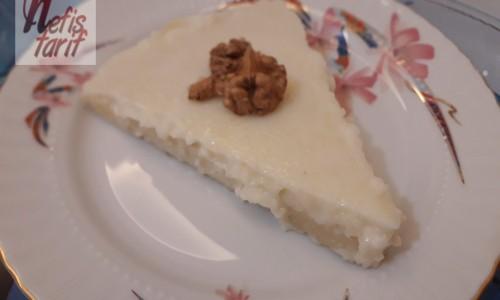 Cheesecake Görünümünde İrmikli Sütlü Tatlı